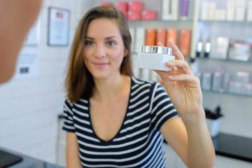 Экспертиза качества косметологических услуг